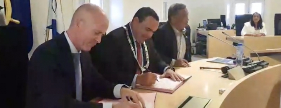 Bonaire y Reino Hulandes a firma un acuerdo di maneho