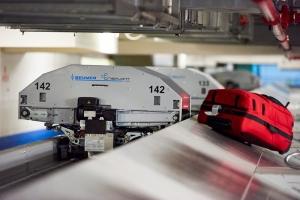 Aeropuerto a inverti den sistema moderno di maleta di 33 miyon dollar