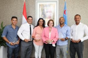 Gobierno a ricibi e 5 landadonan di Aruba cu a landa di Venezuela pa Aruba