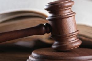Corte: Homber a haya 8 aña castigo di prison pa a abusa su dos yiunan