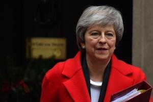 Prome minister Britanico ta confronta voto di no confiansa