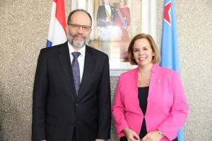 Caricom a evalua miembrecia asocia di Aruba cu prome minister Wever