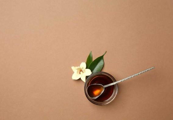 El extracto de vainilla, aromatizante económico y natural