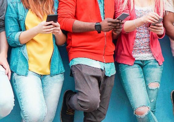 Personas con celular