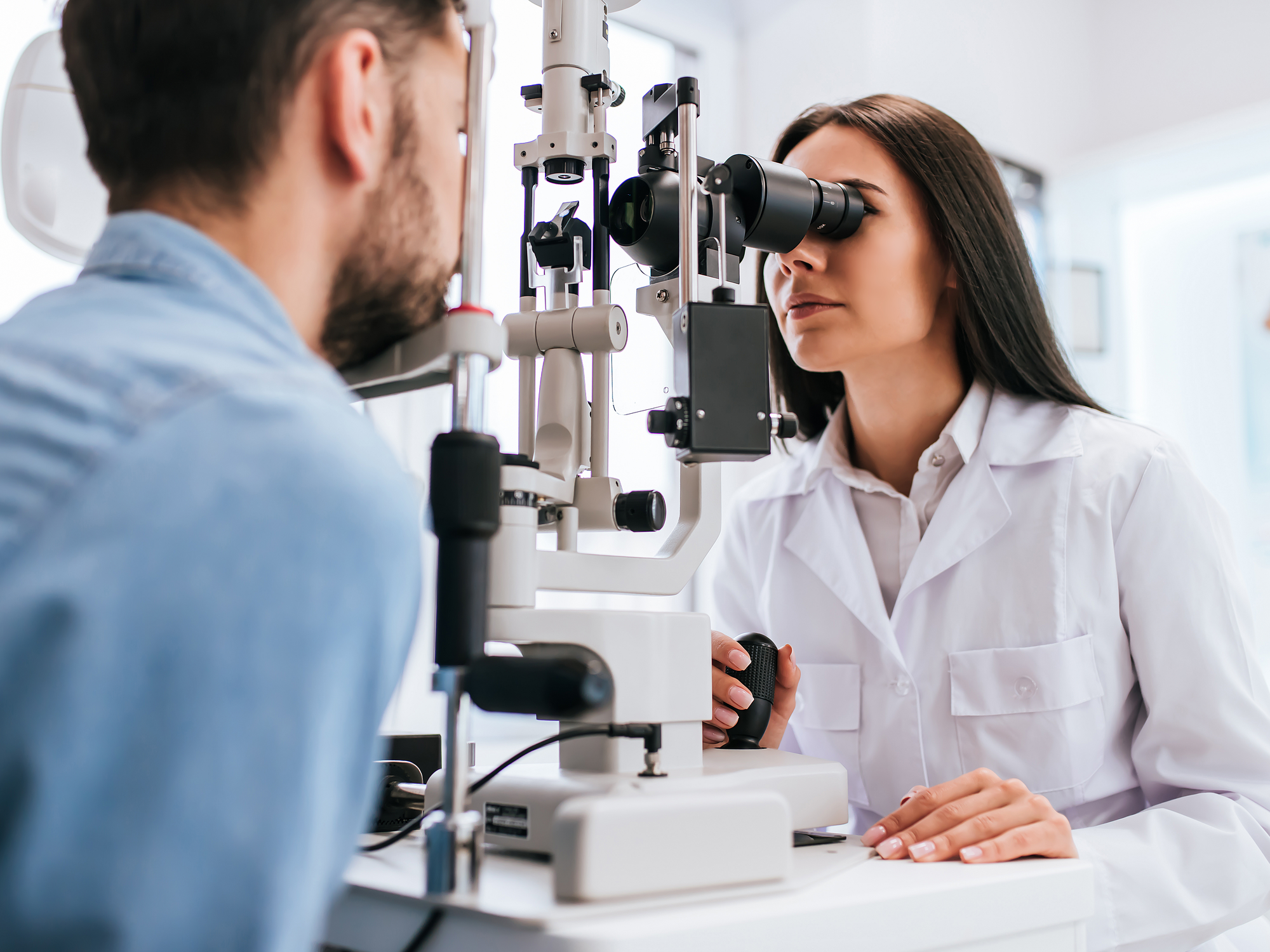 Eye Exams Can Uncover Early Warning Signs for Health Problems
