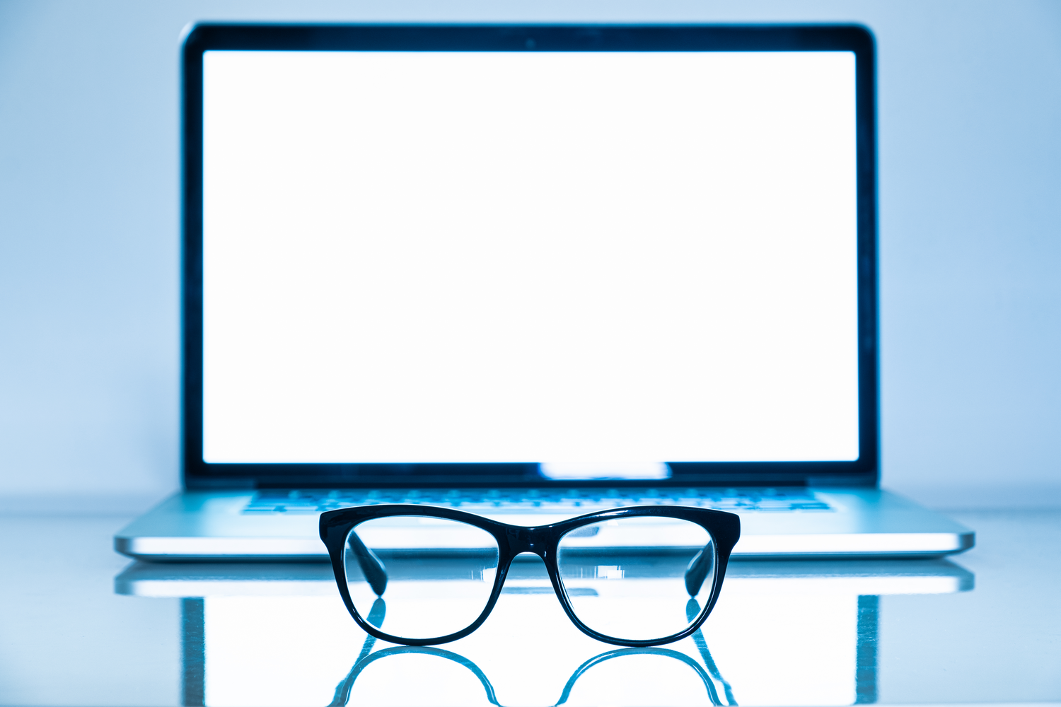 Are There Benefits to Wearing Blue Light Glasses All Day?
