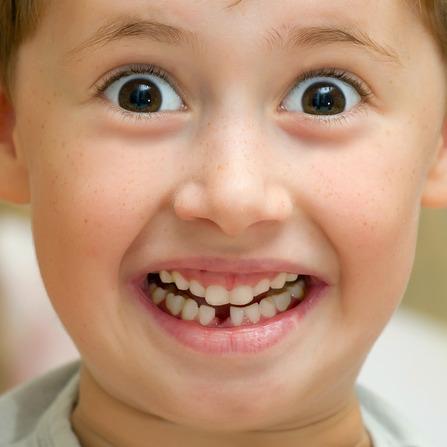 Kid lose tooth