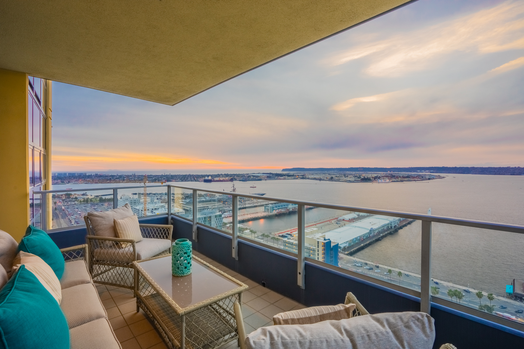 Penthouse Level 2 Bedroom for Sale At Bayside