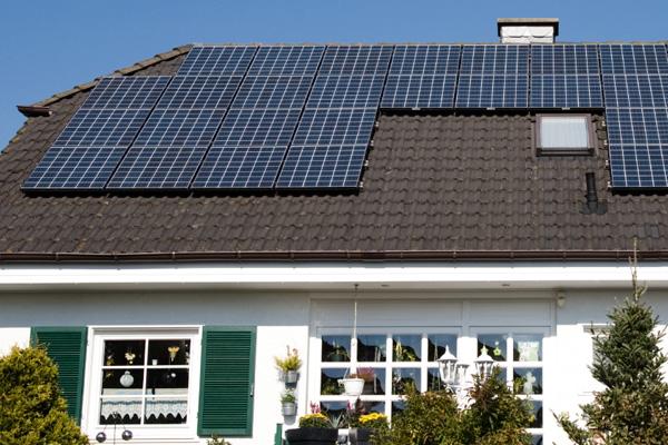 Leased Solar Panels are Sabotaging Some Real Estate Sales