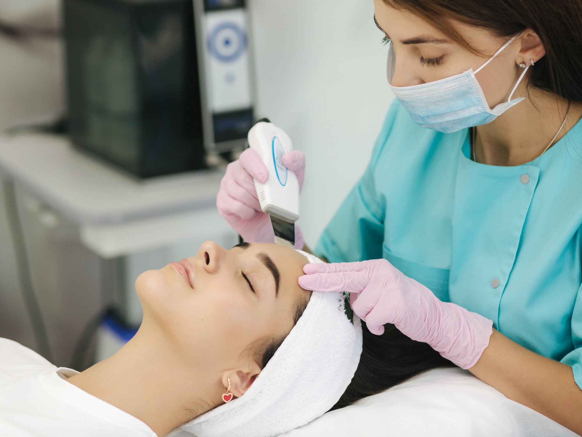 Can Laser Treatment Help with Brown Spot and Sunspot Removal?