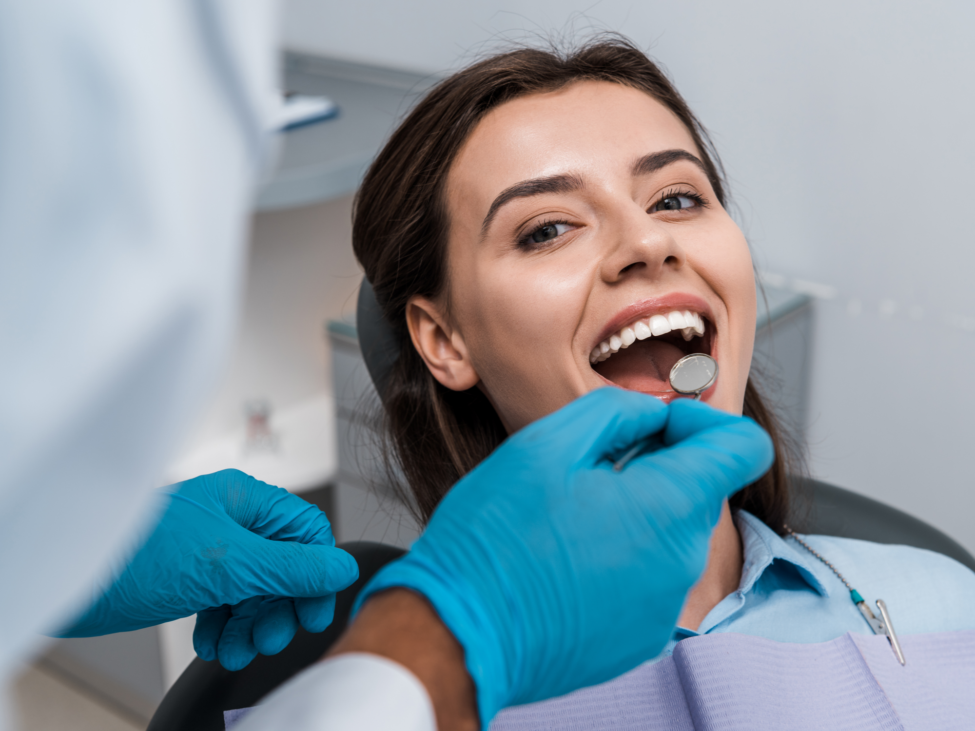 Am I a Candidate for Cosmetic Dental Bonding?
