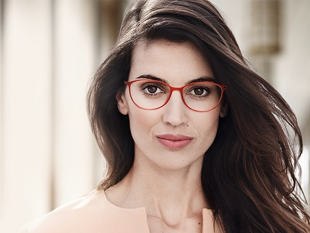 Choosing Eyeglasses That Suit Your Style