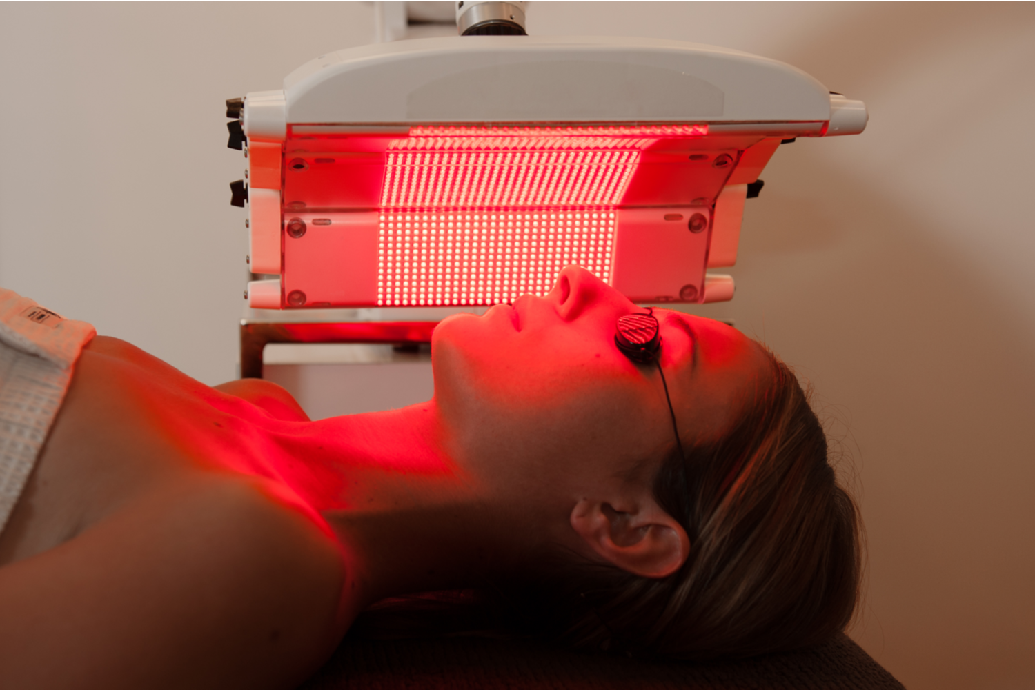 How to Maximize Weight Loss Results With Red Light Therapy
