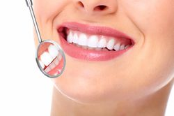 Choosing a Cosmetic Dentist: Questions to Ask Yourself