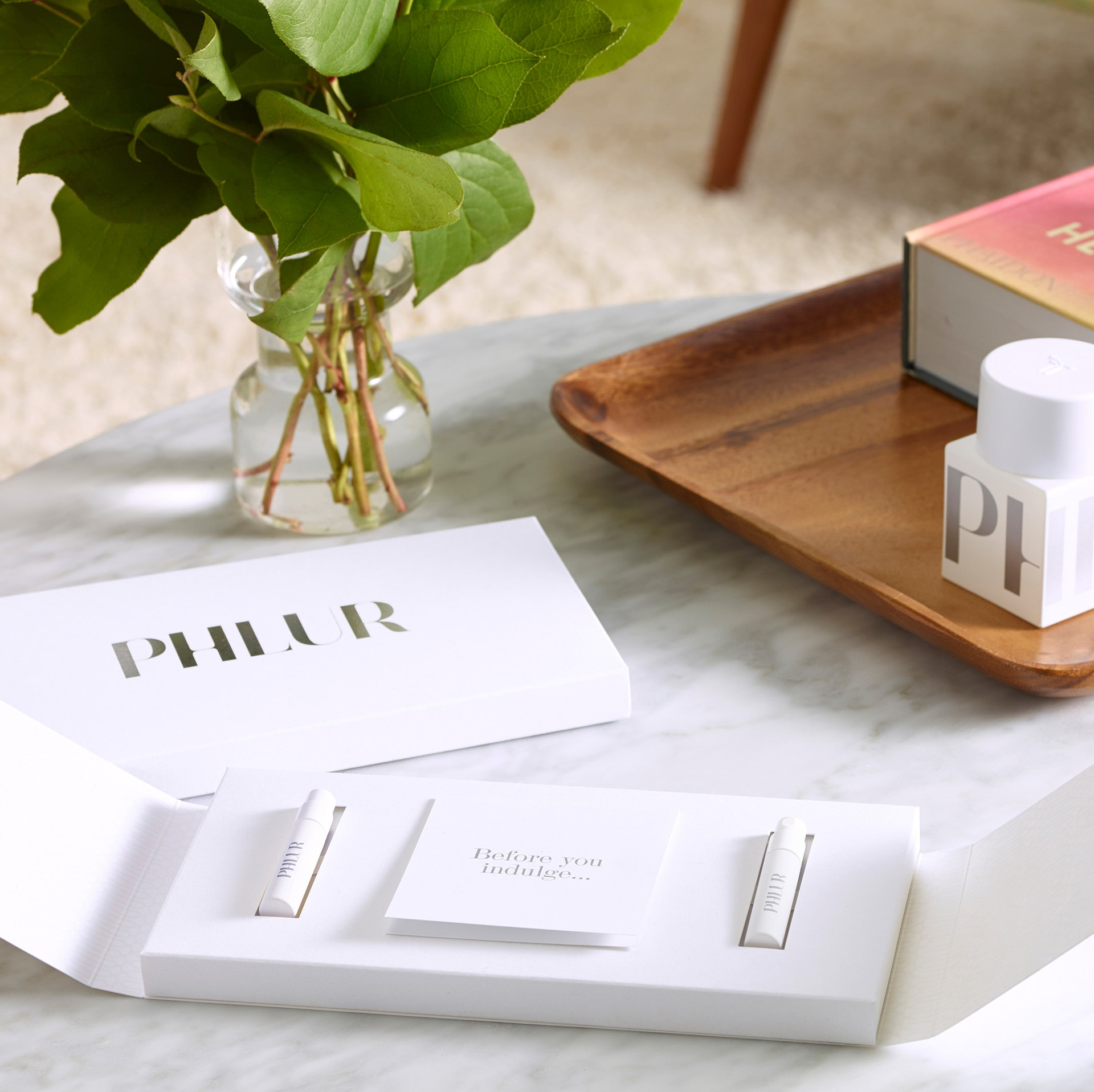 The PHLUR fragrance sample set lets you try fragrances on your skin and in your space. The way it should be #PHLUR