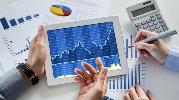 Stocksbusinessmanportfoliochartsmi600