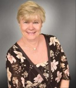 Carol Andrysiak is a licensed real estate agent in Darien IL