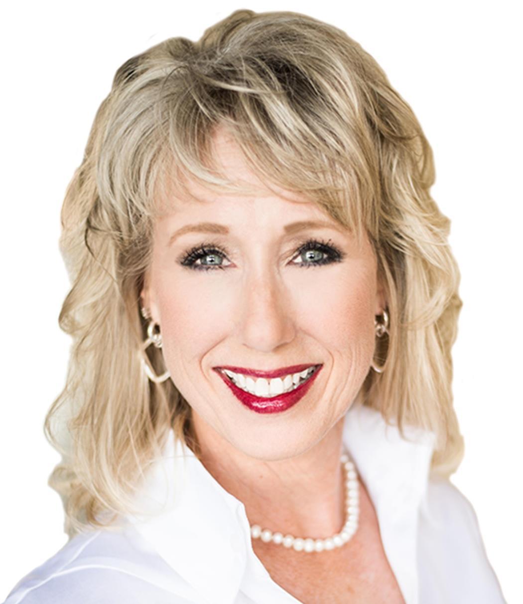Debbie Ortiz, Broker