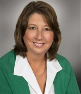 Kim Kim is a licensed real estate agent in Cedarburg WI