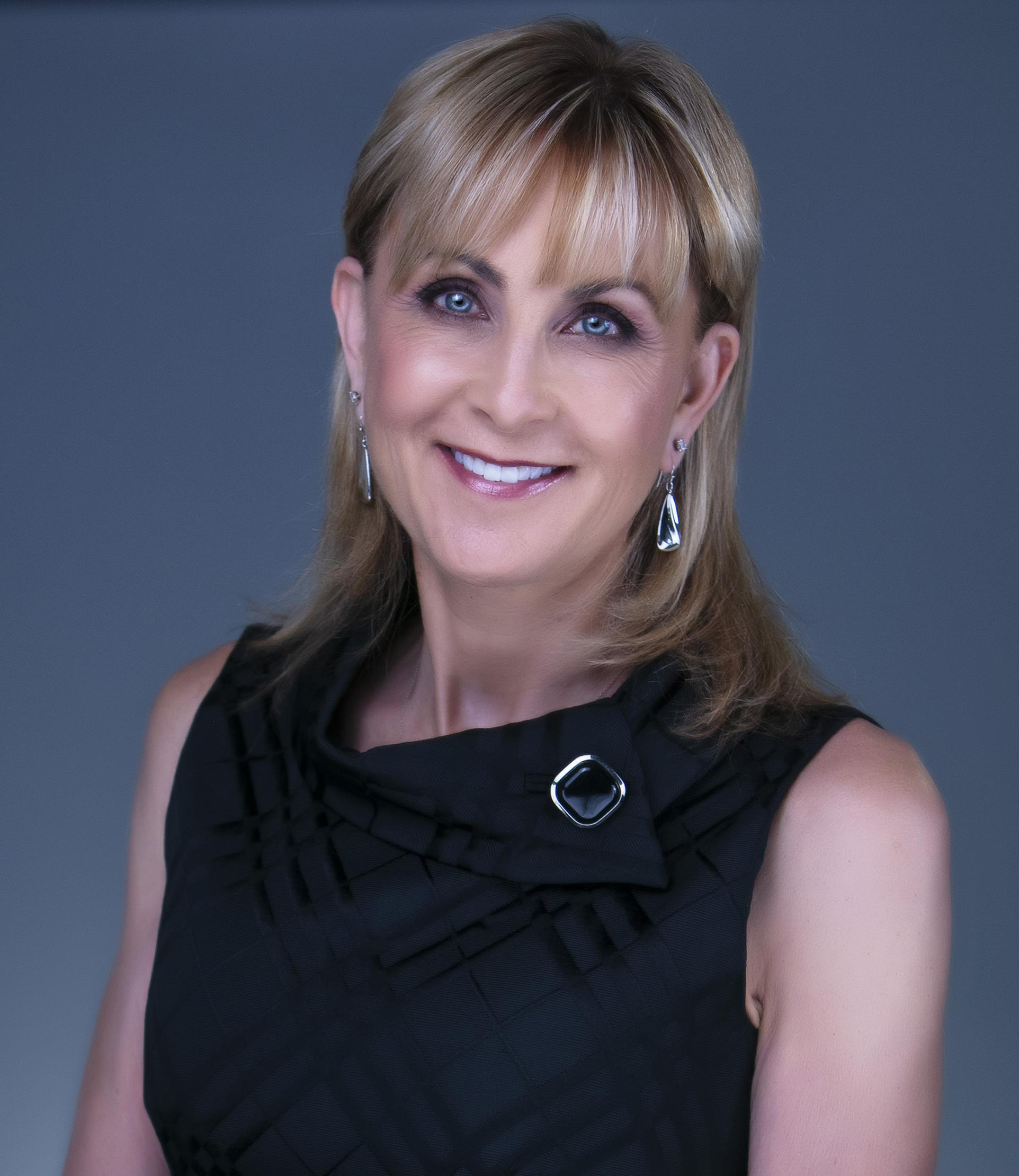 Rhonda Dehner is a licensed real estate agent in Leawood KS