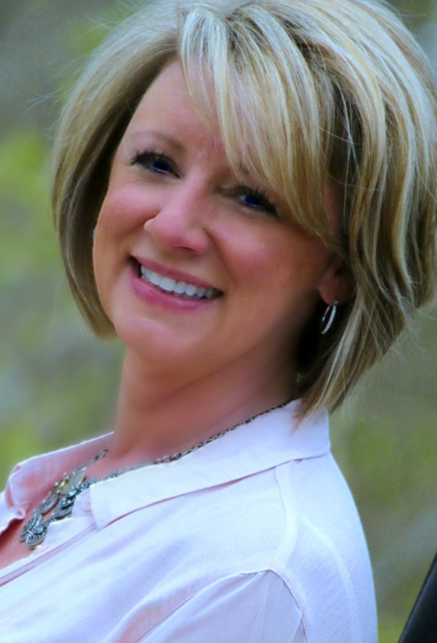 Angie Christopher is a licensed real estate agent in MO
