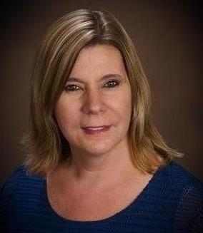 Lisa Sweeney is a licensed real estate agent in Schaumburg  IL