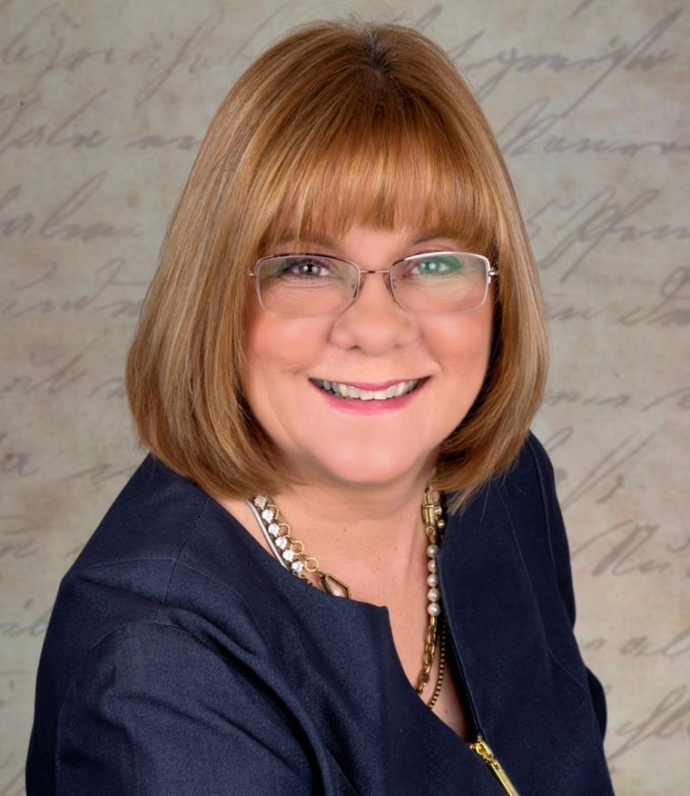 Karen Wenzel is a licensed real estate agent in Brookfield WI