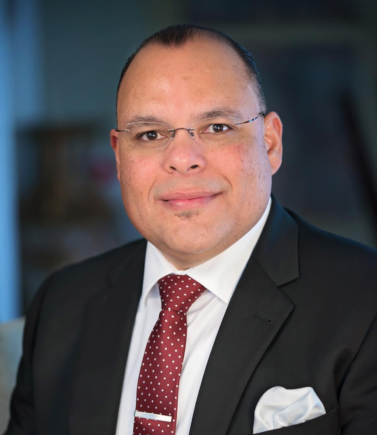 Juan R Loubriel