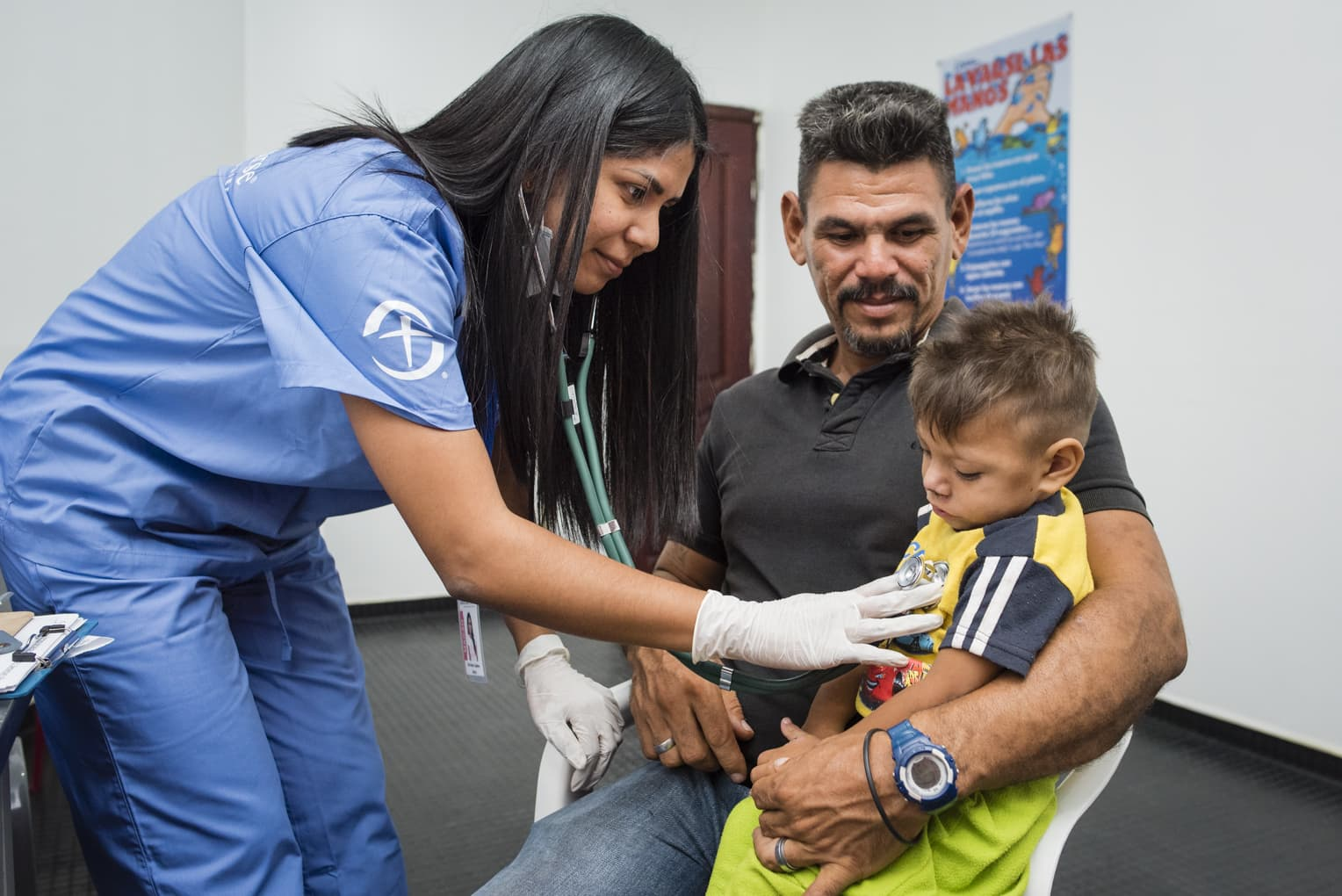 Samaritan's Purse is providing hot meals and medical care for Venezuelans at our two migrant centers in Colombia.