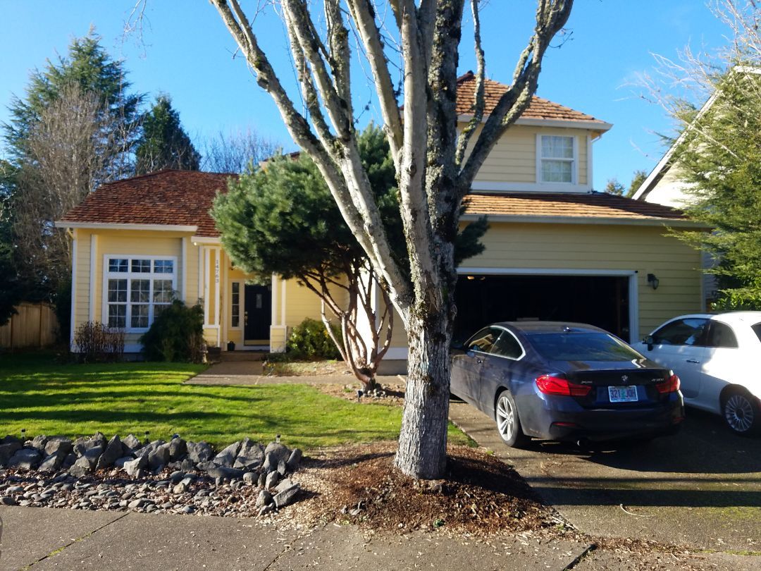 Tigard, OR - Free estimate for a shake roof conversion to a GAF algae-blocker shingle and LP lap siding replacement to James Hardie fiber cement lap siding