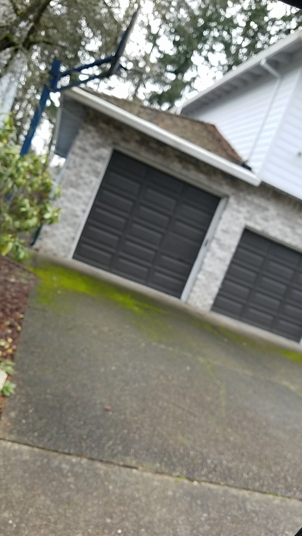Beaverton, OR - Free estimate for a GAF algae-bl9cker shingle roof system and new James Hardie fiber cement lap siding