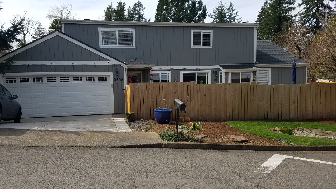 Portland, OR - Free estimate for new high efficiency vinyl windows and patio slider plus siding repair with paint