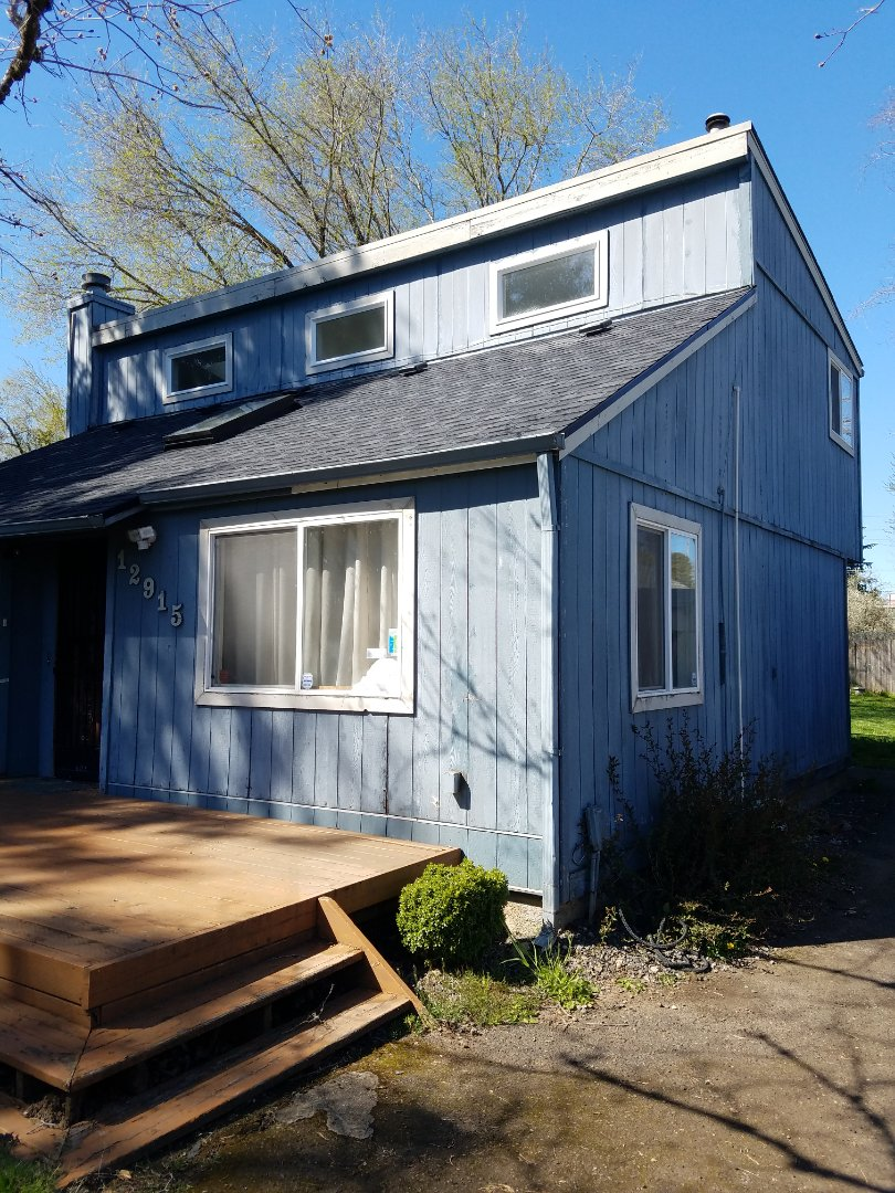 Portland, OR - Free estimate for James Hardie fiber cement lap siding replacement and partial roof replacement