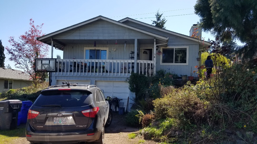 Oregon City, OR - Free estimate for a GAF Timberline HDZ roof system replacement plus window replacement