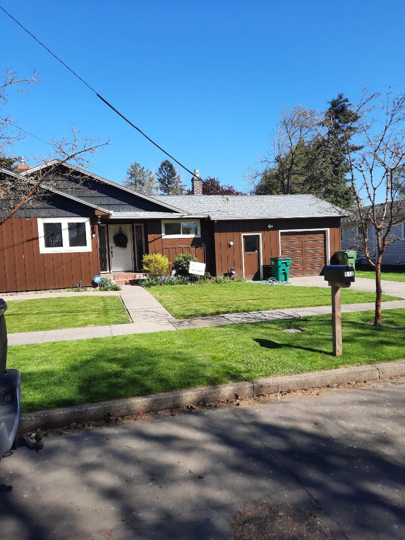 Newberg, OR - Free estimate for a new GAF Timberline HDZ roof shingle