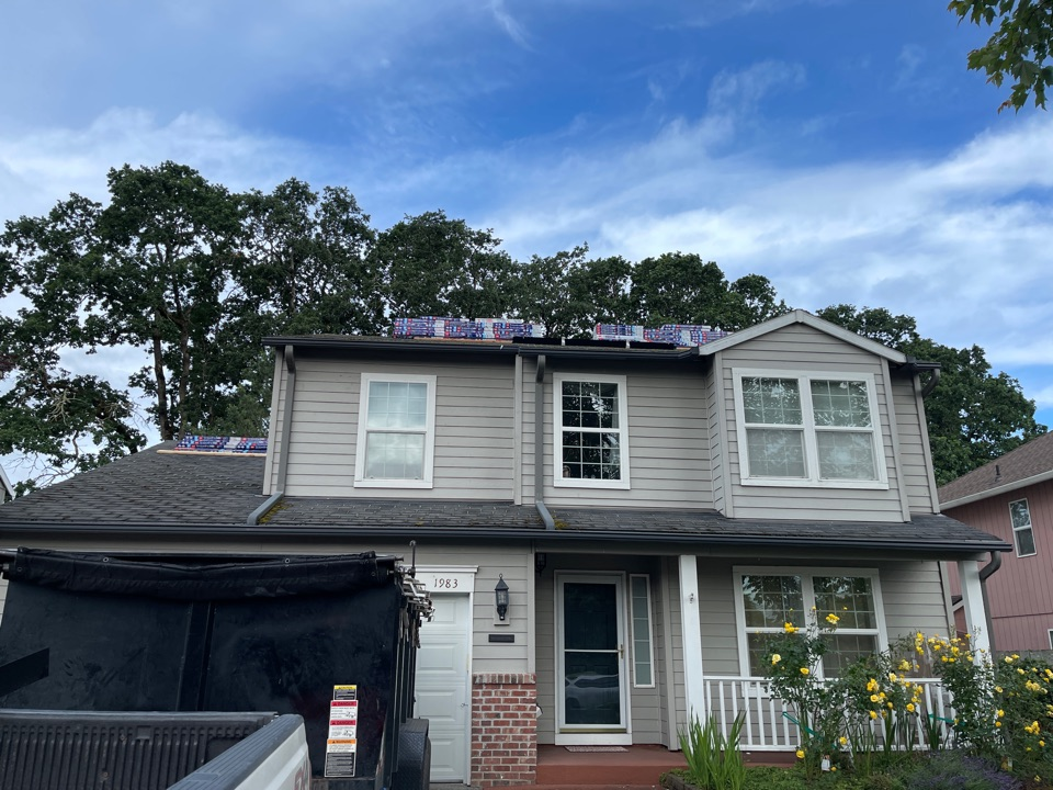 Hillsboro, OR - Starting another GAR roof in Hillsboro by Evergreen renovations and roofing. Siding windows. Kitchen bath remodel. Additions ADU. Roofing contractors
