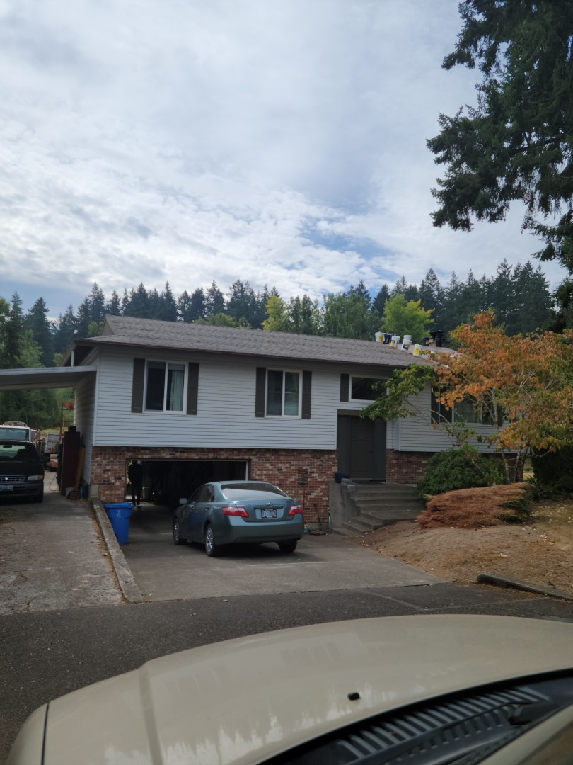 Milwaukie, OR - Free estimate for a GAF Timberline HDZ roof system replacement
