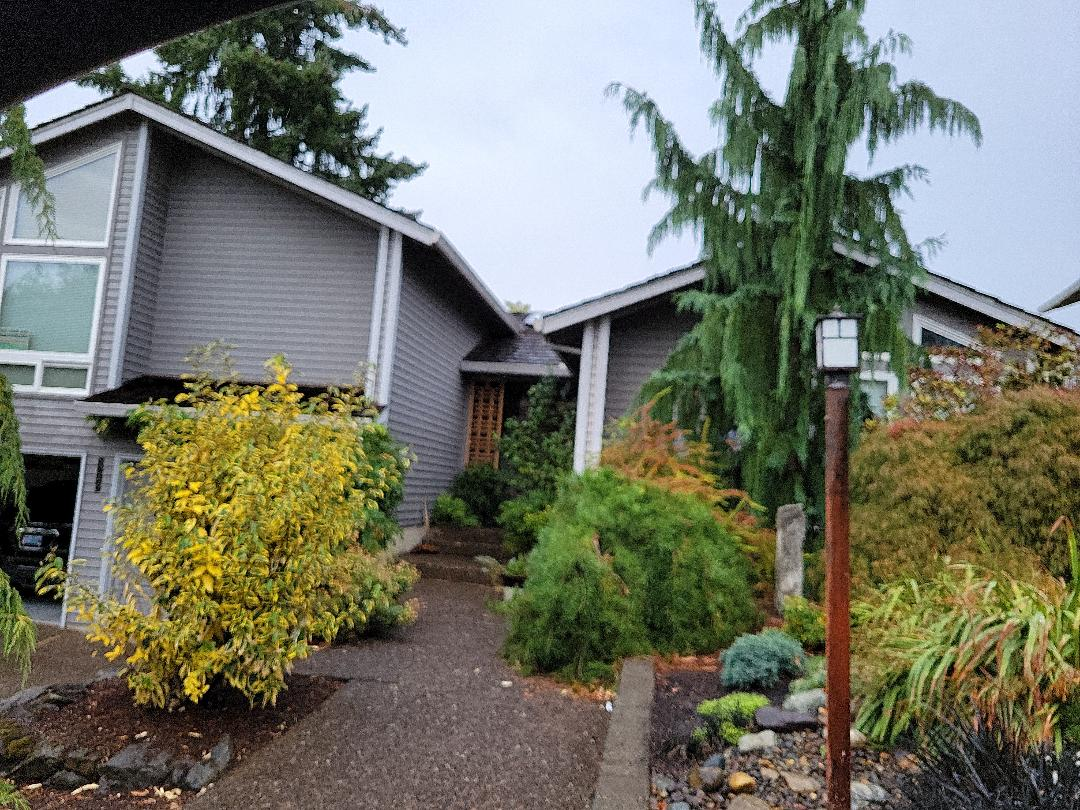 Beaverton, OR - Free estimate for a shake roof conversion to a GAF Timberline HDZ roof system
