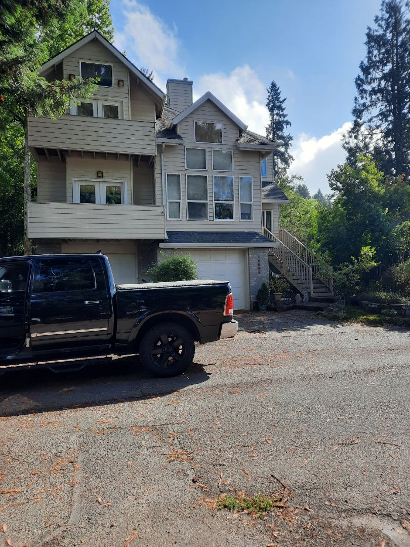 Milwaukie, OR - Free estimate for a new GAF Timberline HDZ roof shingle