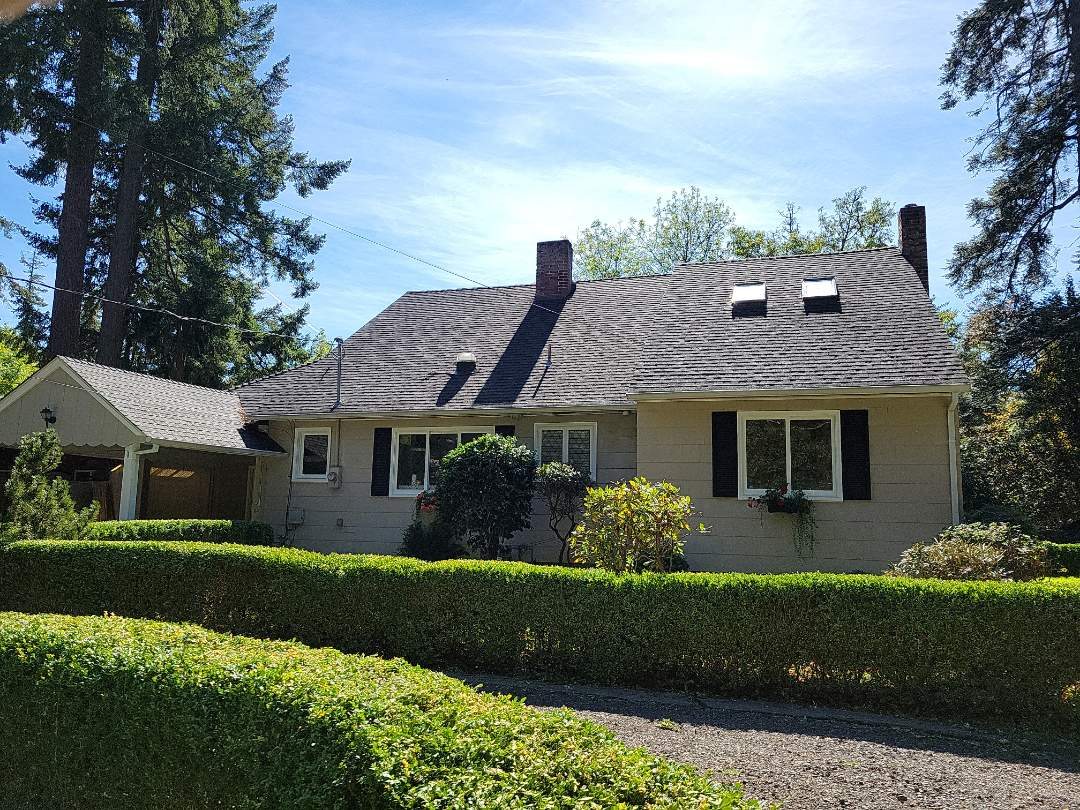 Lake Oswego, OR - Free estimate for James Hardie fiber cement siding replacement