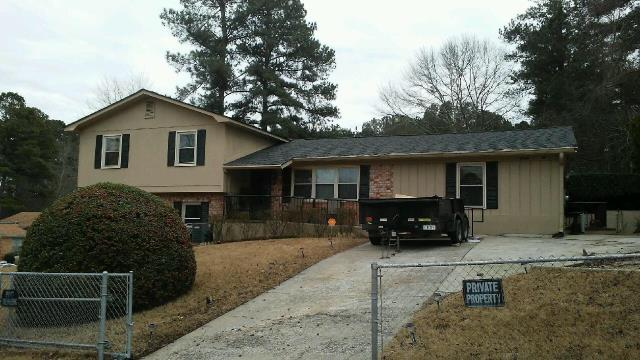 Hephzibah, GA - Take a look at this new roof our team has installed on this home! Color is Charcoal HDZ.