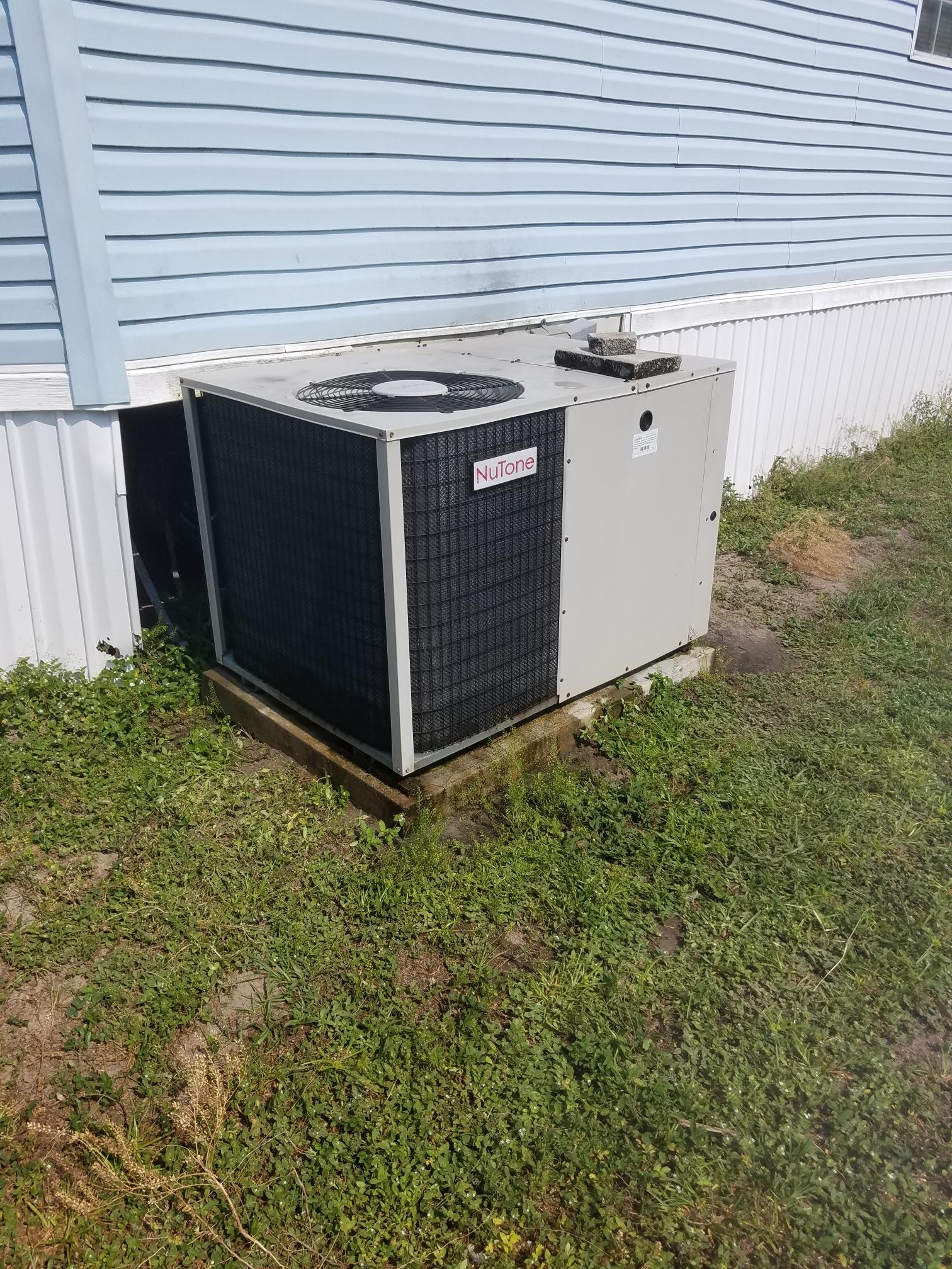 Crescent City, FL - Maintenance on heat pump