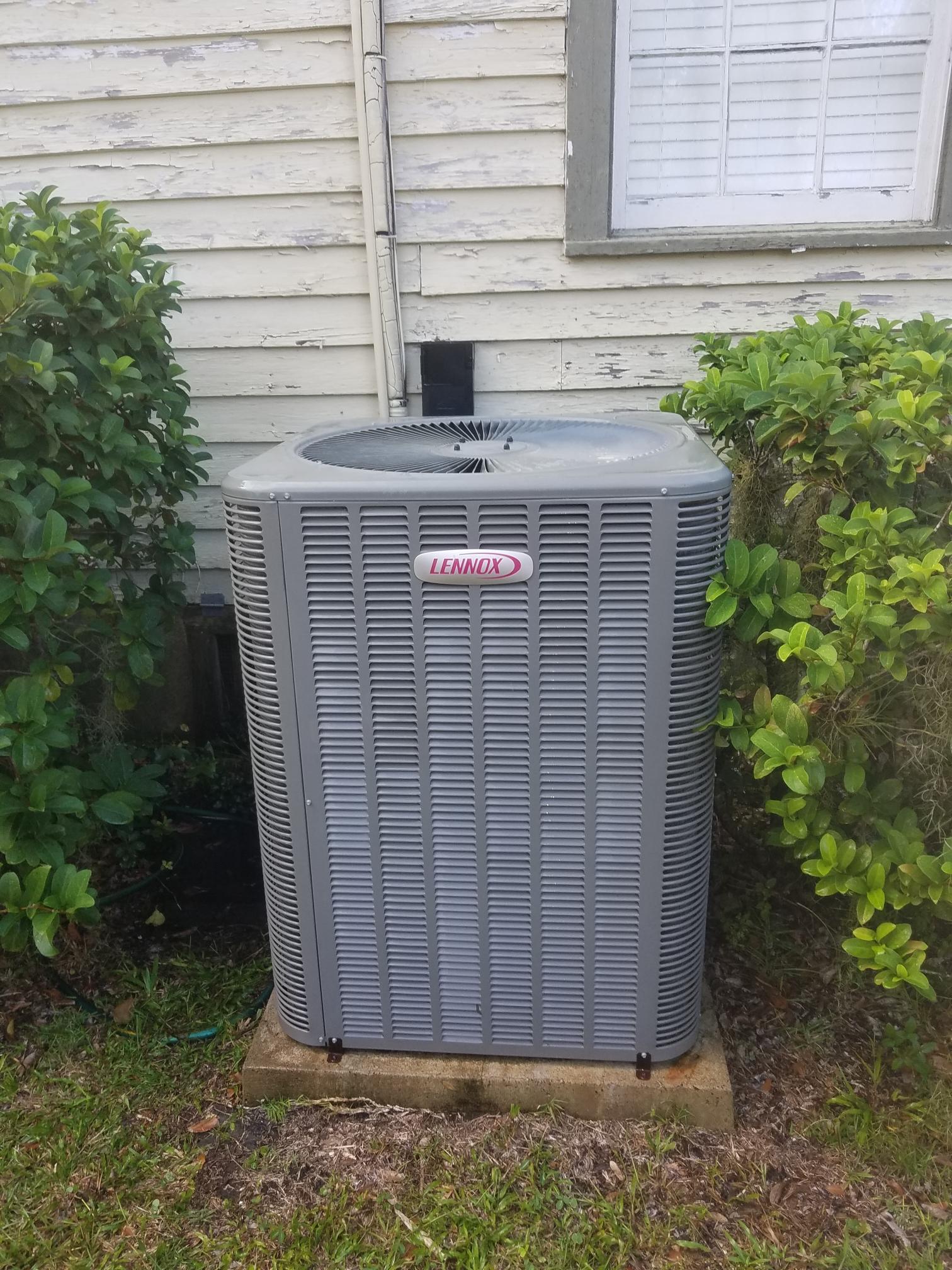 East Palatka, FL - Maintenance on Lennox
