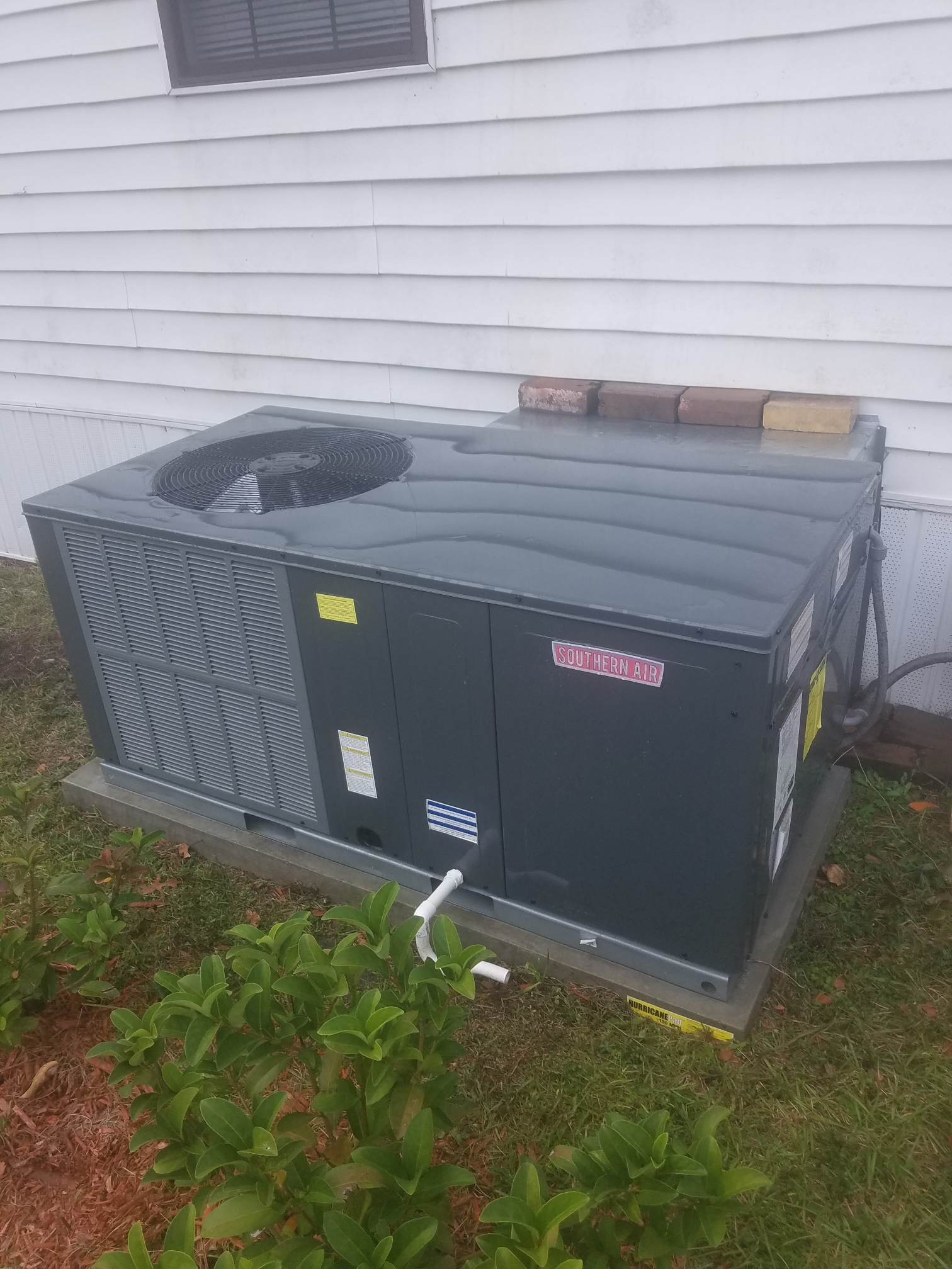 Interlachen, FL - Maintenance on Amana