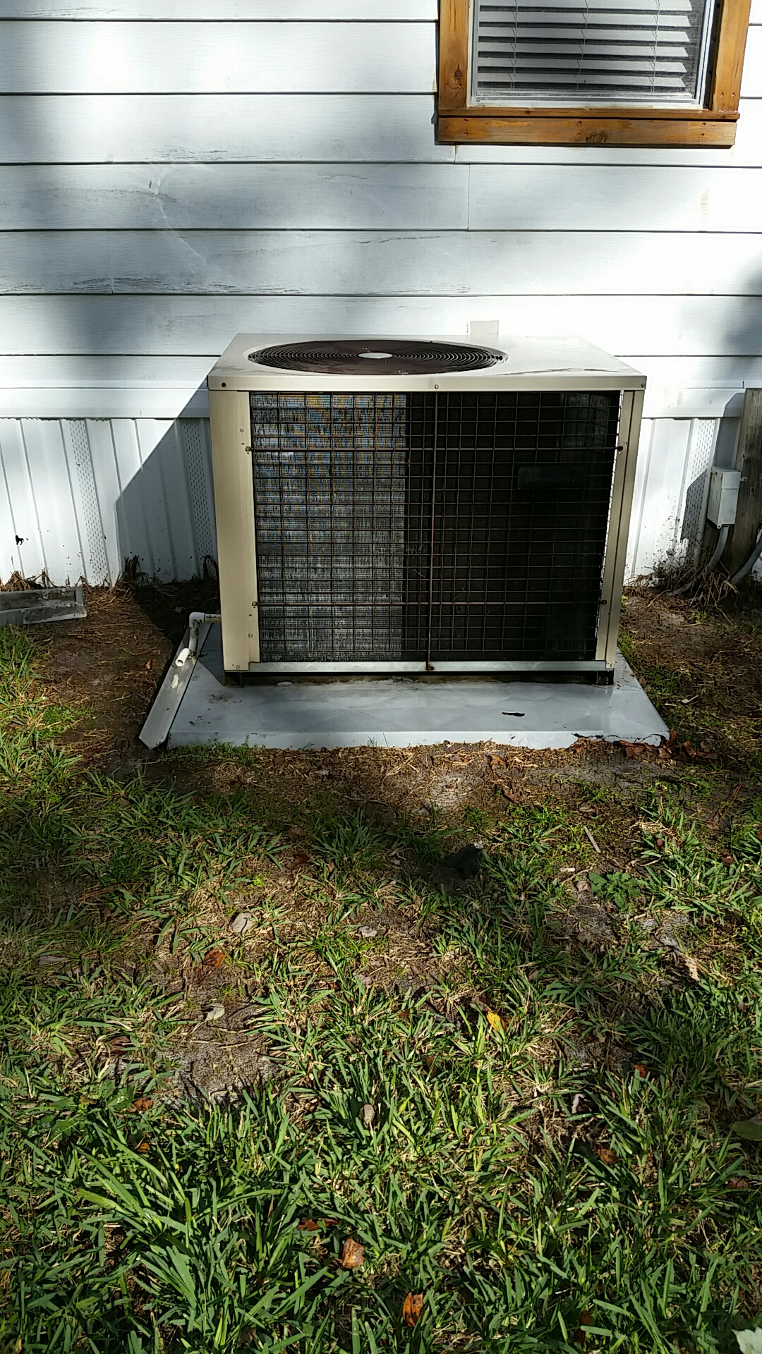 Georgetown, FL - Heat pump tune up maintenance on a Amana package  unit
