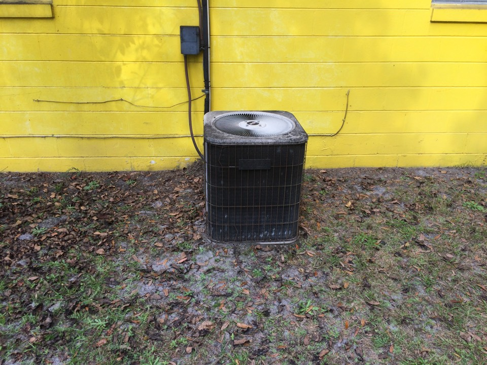 Hastings, FL - In Hastings doing an estimate for 2 1/2 ton split heat pump system