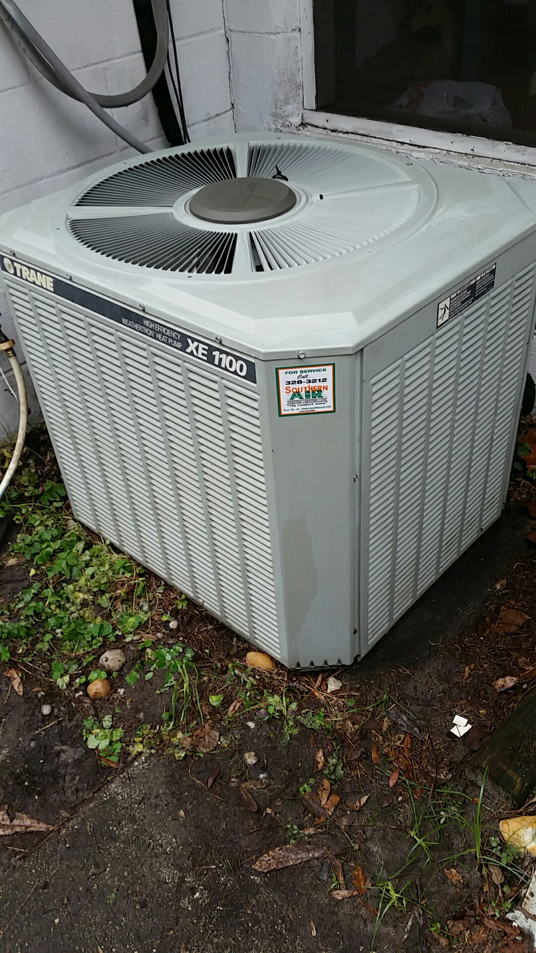 Keystone Heights, FL - Maintenance on Trane split heat pump system