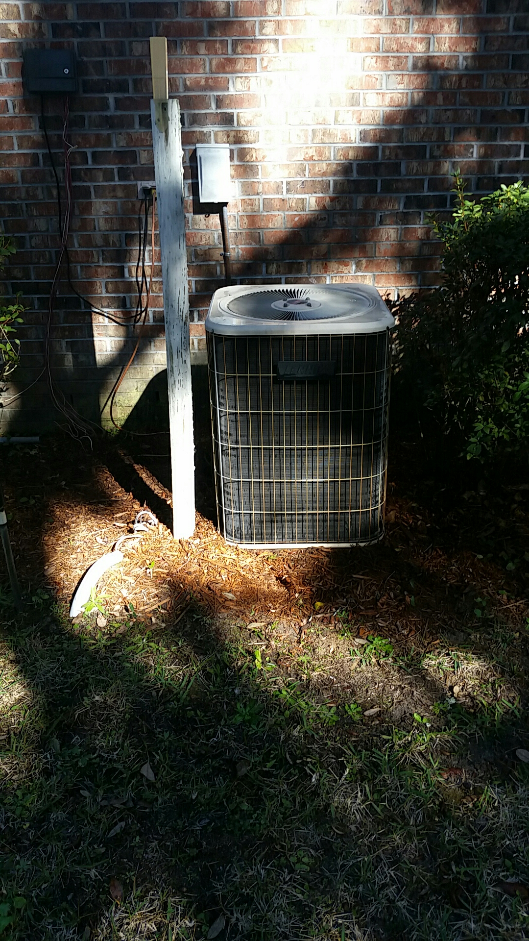 Melrose, FL - Heat pump tune up maintenance on a lennox split systems