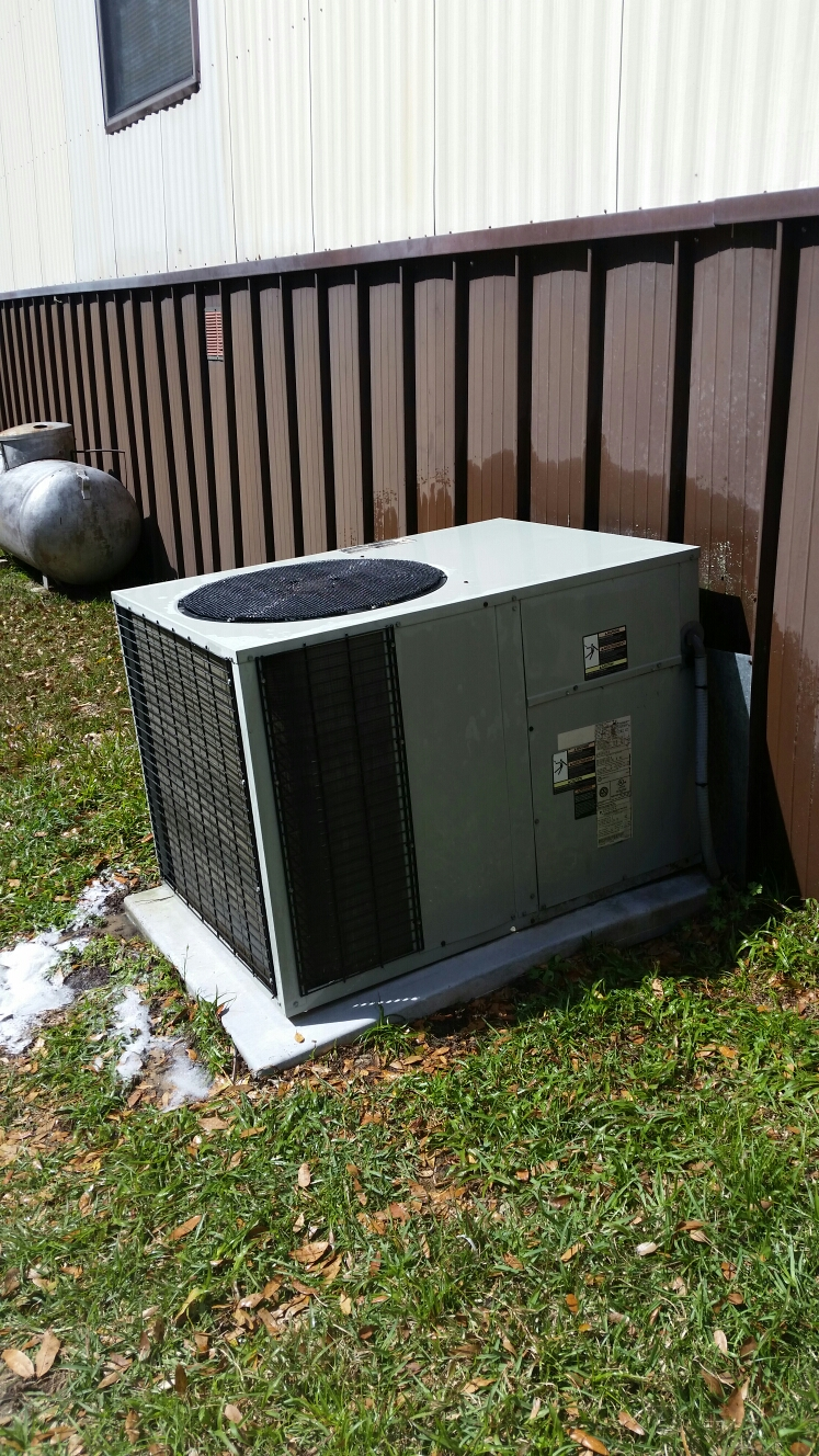 Melrose, FL - Maintenance on Trane heat pump