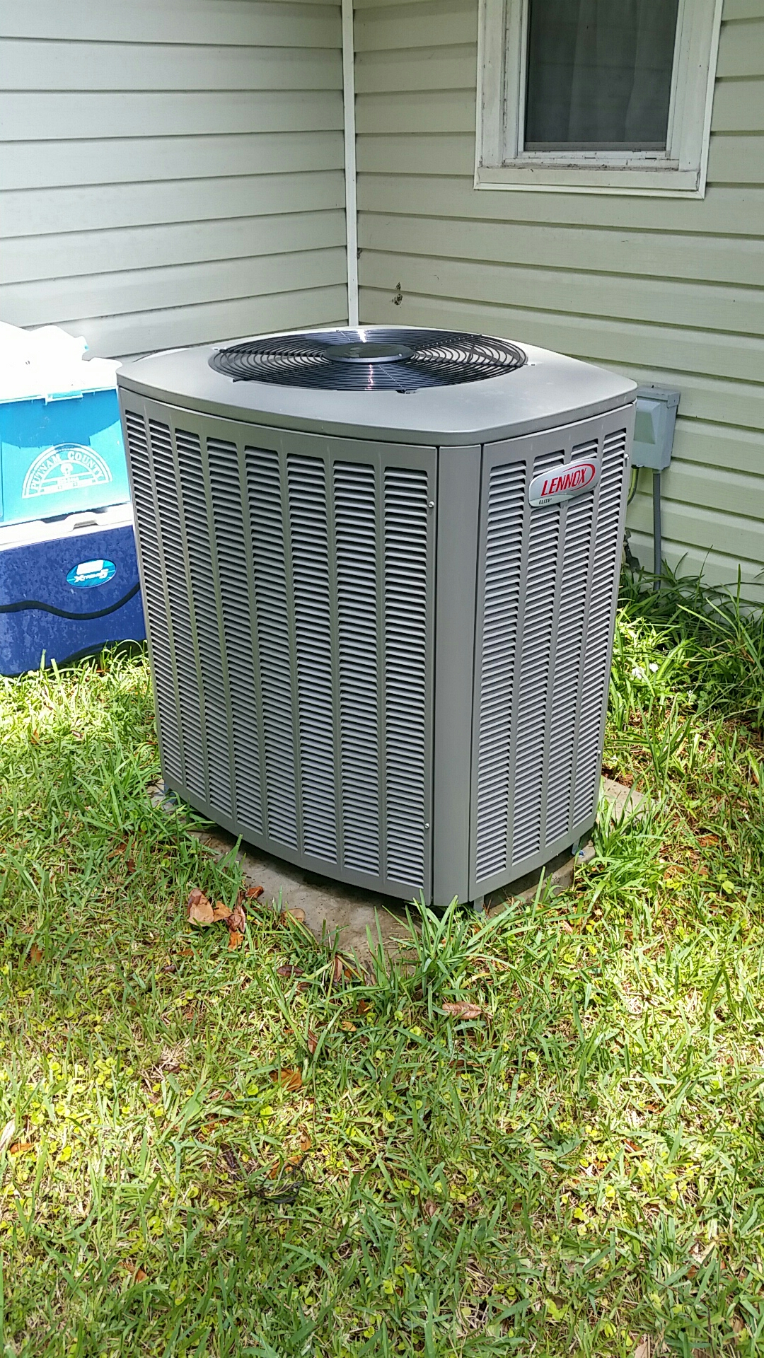 Pomona Park, FL - Maintenance on Lennox heat pump